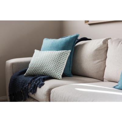 Cum poți scoate eficient petele de pe canapea