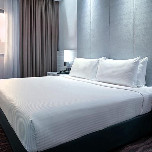 Lenjerie de pat din bumbac 100% satinat cu dunga 2cm, matrimoniala