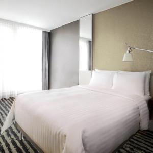 Lenjerie de pat din bumbac 100%, satinat cu dunga 3cm, matrimoniala