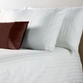 Lenjerie pat din policoton satinat cu dunga 2.5cm + 0.5cm, matrimoniala